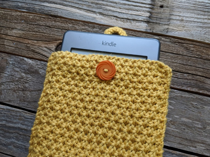 Knitted Kindle Cover Savlabot